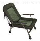 CARP FK6 karfás fotel állítható háttámlával terepmintás
